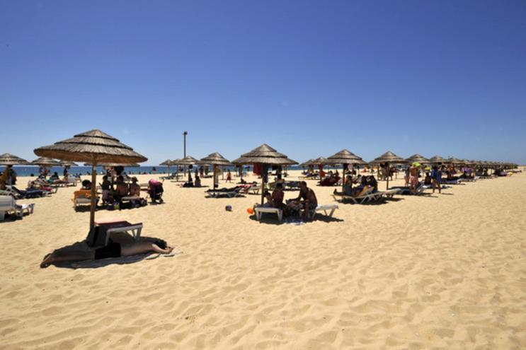A praia da Ilha de Tavira foi uma das que esteve com bandeira vermelha
