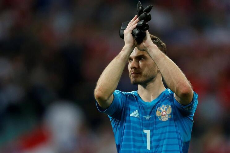 Akinfeev anuncia fim da carreira internacional