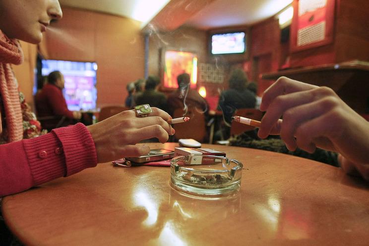 Um quinto dos jovens fuma diariamente