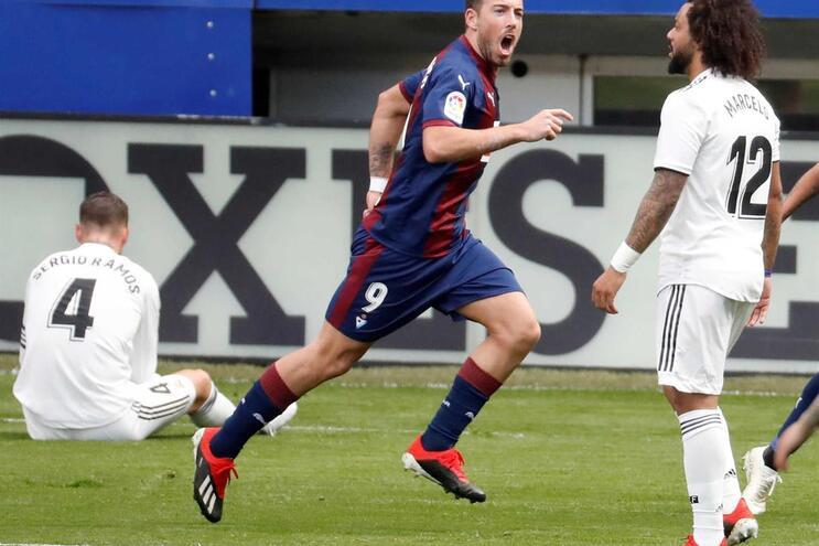 Real Madrid perde com estrondo no primeiro desaire na era Solari