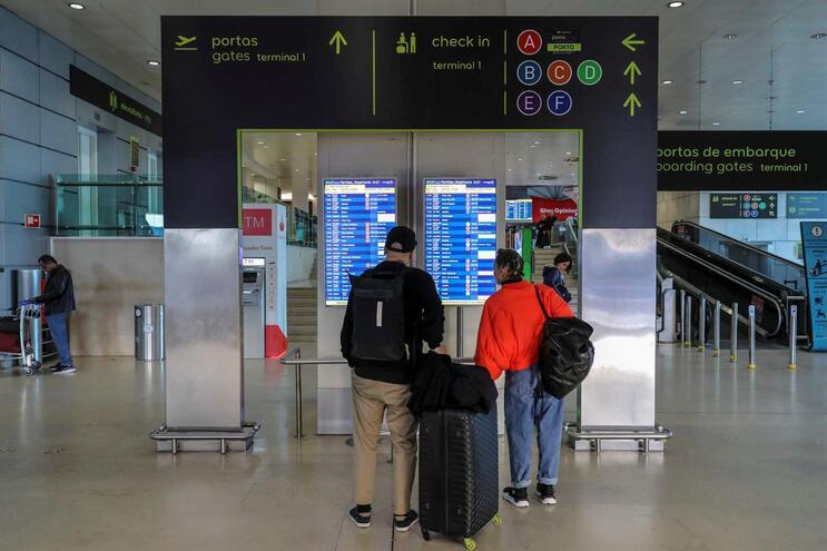 Greve da Portway provoca atrasos e cancelamentos de voos em Lisboa