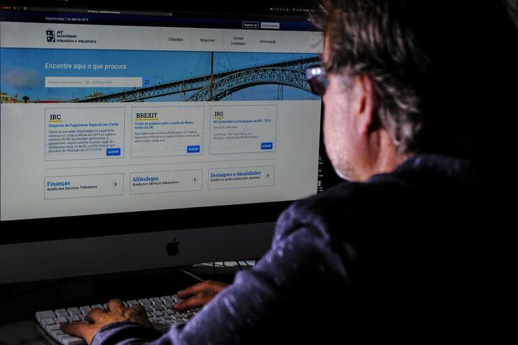 Contribuinte no Portal das Finanças, no contexto da entrega do IRS