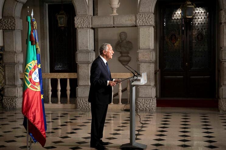 O Presidente da República, Marcelo Rebelo de Sousa, decretou esta quarta-feira o estado de emergência