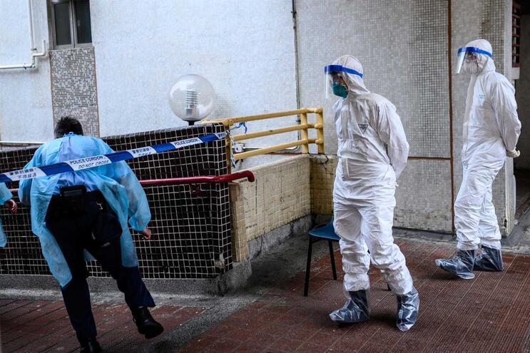 Coronavírus faz primeira vítima na Europa. Turista chinês morre em França
