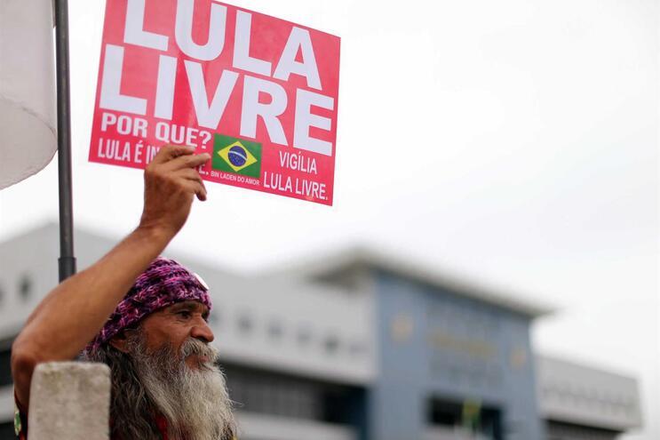 Supremo Tribunal abre caminho para a libertação de Lula