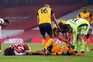 Jiménez saiu do relvado de maca após choque com David Luiz