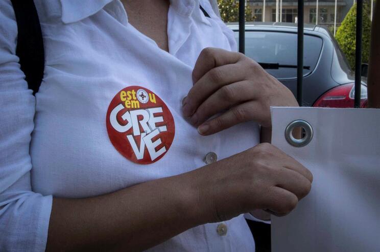 Enfermeiros iniciaram à meia-noite uma greve nacional de cinco dias