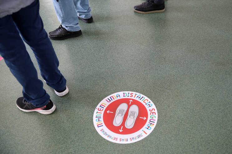 Escola de Famalicão vai denunciar casos de alunos a violar isolamento profilático