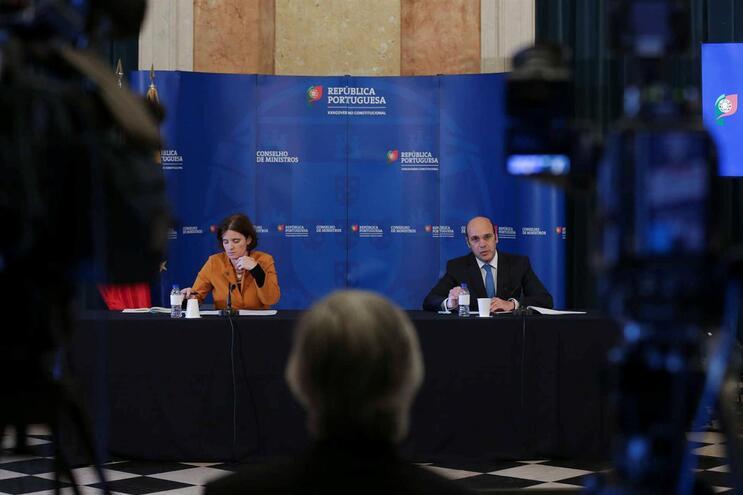 A ministra da Presidência e da Modernização Administrativa, Mariana Vieira da Silva, e o ministro Adjunto