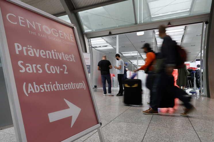 Alemanha contabiliza total de 9054 óbitos de covid-19