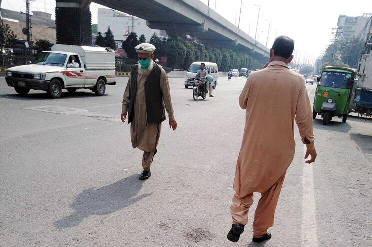 Lahore, no Paquistão, cidade onde vivem seis milhões de pessoas