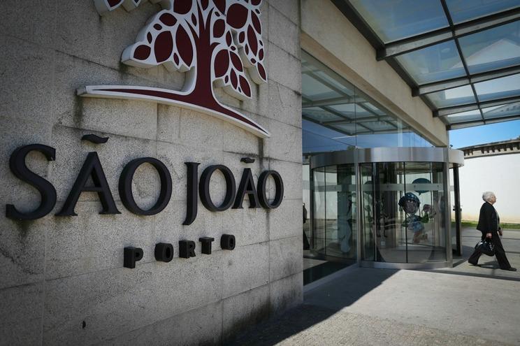 Mulher julgada por tentar raptar bebé no Hospital de São João