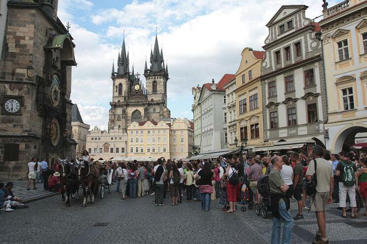 Praga é, entre os principais destinos europeus, o que oferece estadia mais barata para um casa