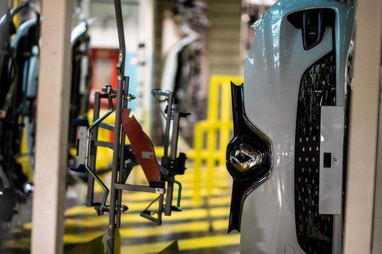"""Renault """"luta pela sobrevivência"""" e Nissan vai despedir milhares"""
