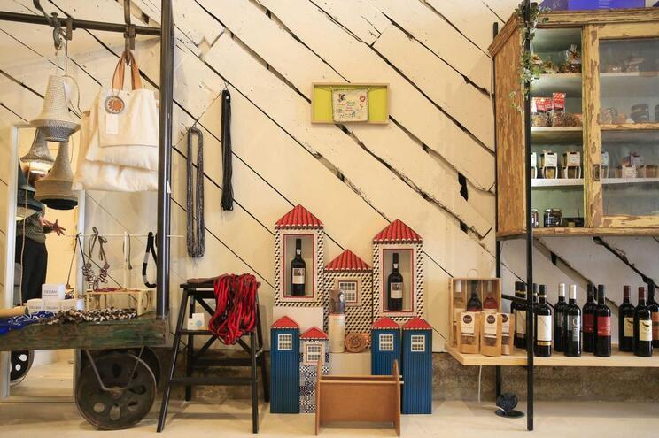 Porto: abriu uma loja-galeria que é Suuuper