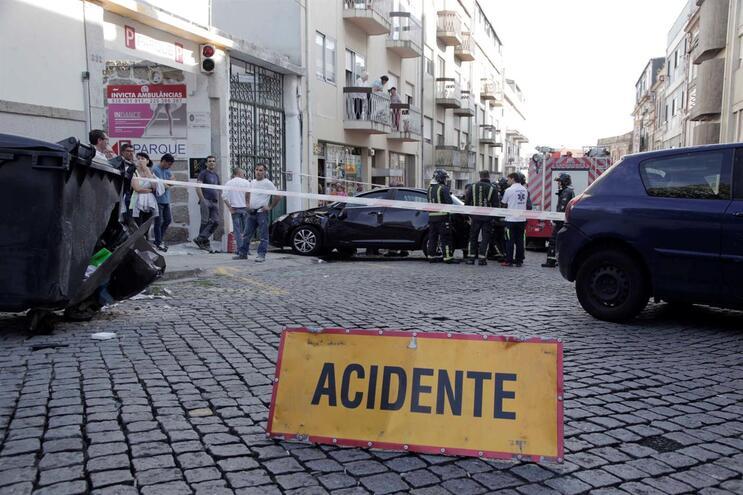 Aumenta número de acidentes causados pelo uso de tecnologia ao volante