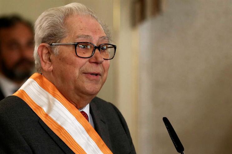 António Arnaut: Governo declara luto nacional na terça-feira