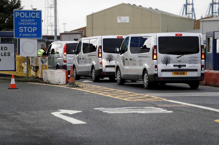 Libertados três dos detidos no caso dos 39 mortos encontrados em camião