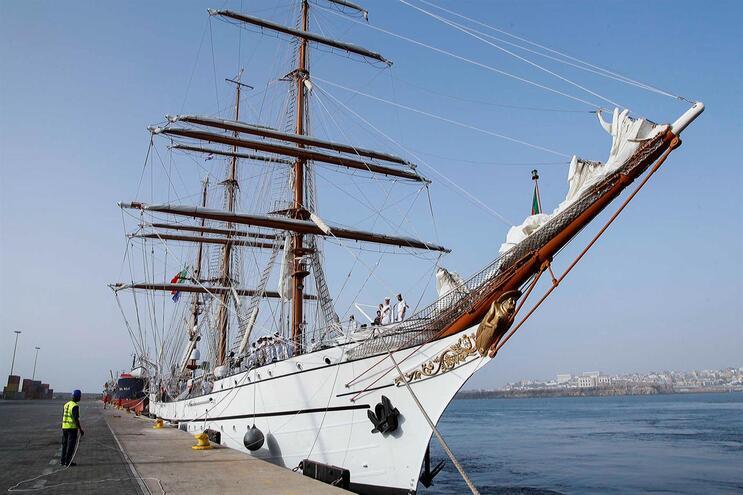 Navio-escola Sagres cancela viagem e regressa a Portugal