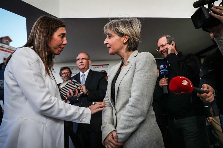 A bastonária Ana Rita Cavaco e a ministra da Saúde Marta Temido têm estado em conflito