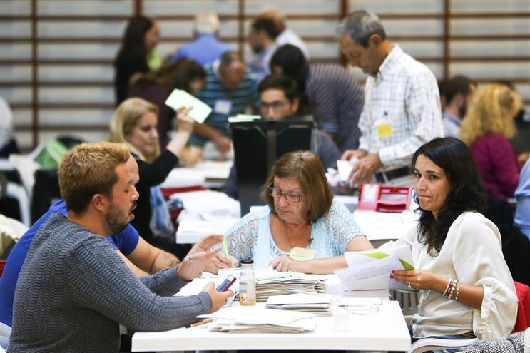 Contagem dos votos dos emigrantes para as eleições nas legislativas de 2015