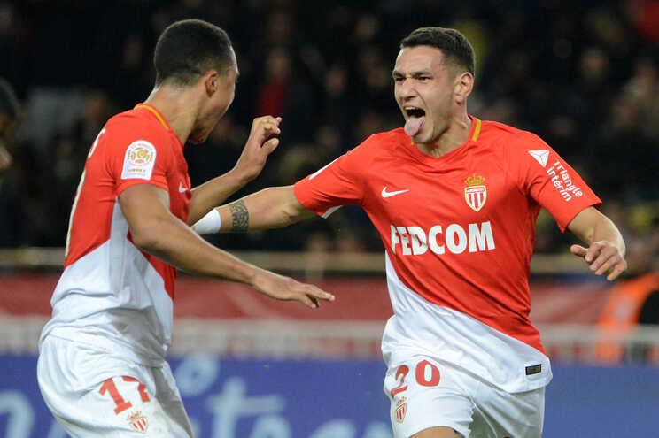Rony Lopes deu a vitória ao Mónaco, reduzido a 10, frente ao Lyon