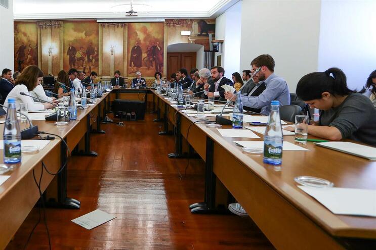 Relatório da comissão de inquérito à Caixa aprovado por unanimidade