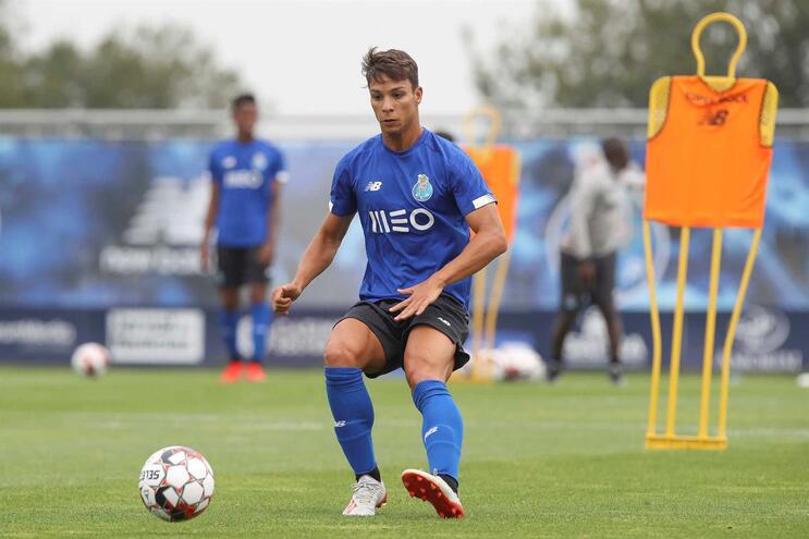 Oliver Torres a caminho do Sevilha