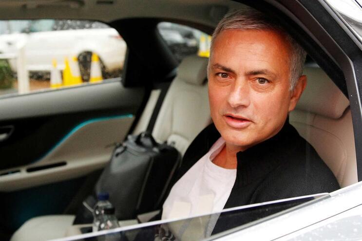 José Mourinho estará prestes a voltar à liga inglesa