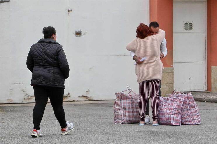 Já terão saído das cadeias portuguesas 1135 reclusos