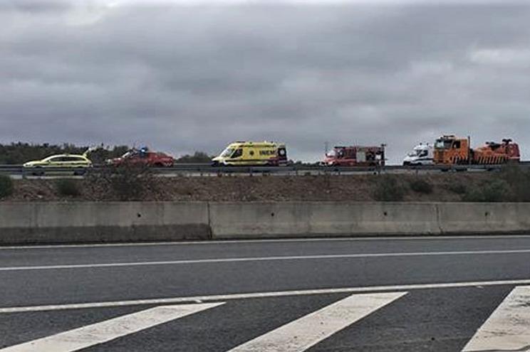 Quatro feridos graves. Ambulância caiu numa ravina em Albufeira