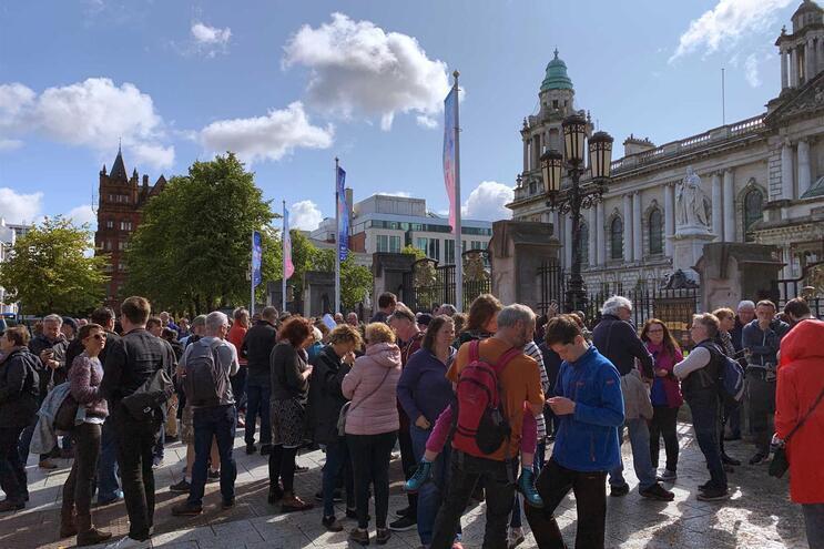 Portugueses em Belfast passam a ter serviços de registo e recenseamento