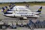 """Tripulantes da Ryanair """"presos"""" entre a emigração e contratos inferiores ao salário mínimo"""