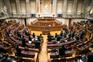 Estado de emergência faz disparar faltas dos parlamentares