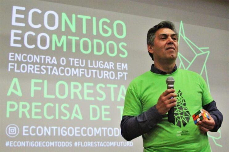 """Jovem: cuidar das florestas """"Econtigo, Ecomtodos"""""""