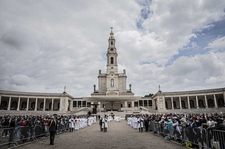 Santuário de Fátima com 16 casos de covid-19 entre colaboradores - JN