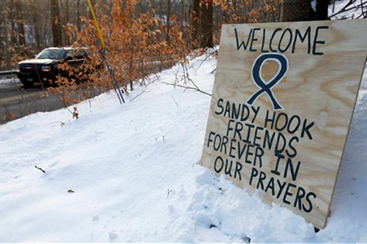 Vinte crianças e seis adultos foram mortos no ataque
