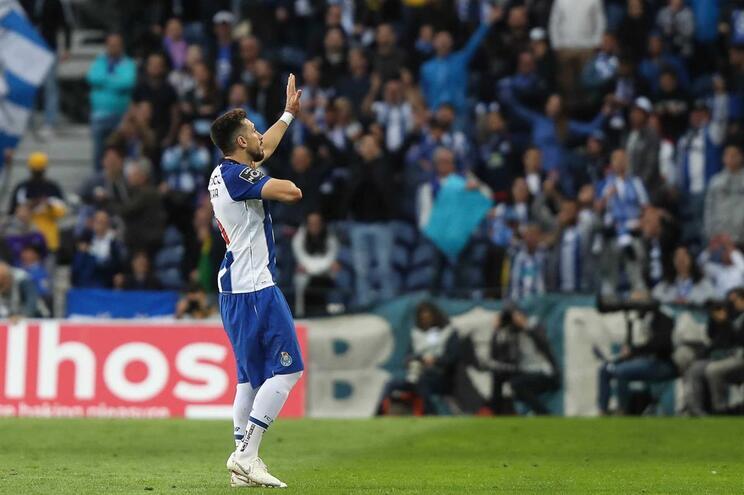 Herrera oficializado no Atlético de Madrid