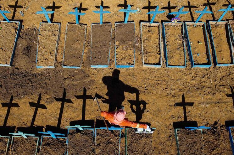 Cemitério da Nossa Senhora da Aparecida, em Manaus