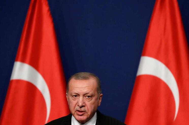Turquia vai devolver estrangeiros do Estado Islâmico aos países de origem