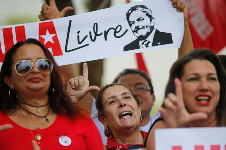 Lula da Silva vê pena de prisão reduzida