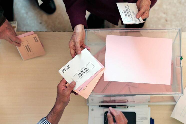 PSOE sem maioria absoluta em Espanha