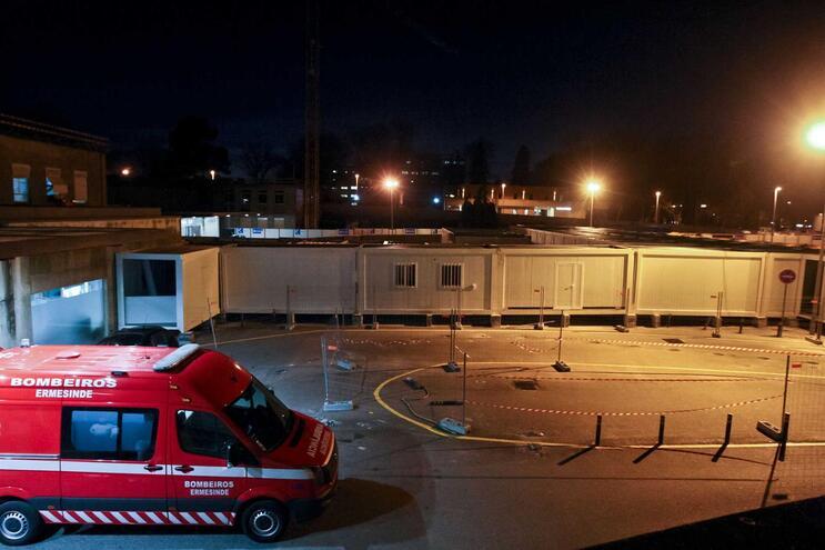 O homem, de 64 anos, foi transferido para o hospital de São João, no Porto