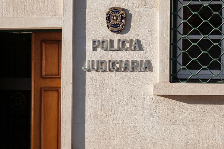 PJ anunciou detenção de mulher e marido foi constituído arguido