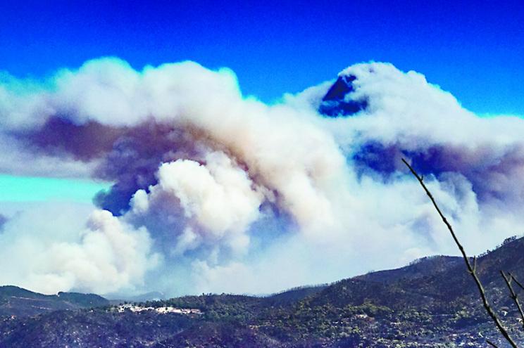 Em agosto, os céus do Algarve encheram-se de fumo do incêndio de Monchique