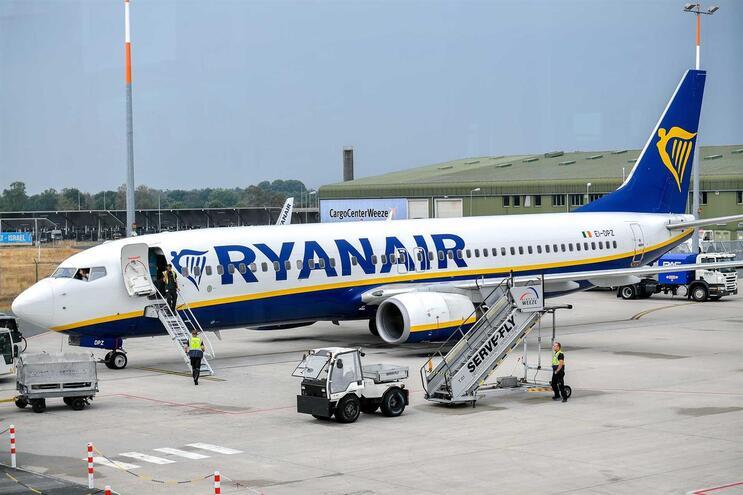 Tripulantes de cabine portugueses da Ryanair fazem greve de 21 a 25 de agosto