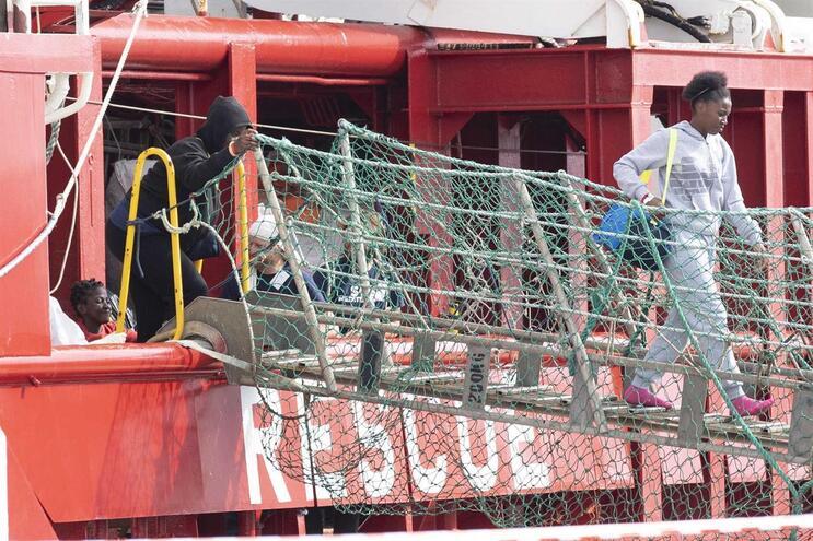 Legislação sobre migrantes motivou troca de acusações entre eurodeputados portugueses