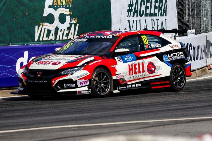 Tiago Monteiro e a Honda aceleram na China