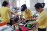 As imagens da equipa de resgate que prepara a evacuação dos jovens