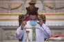Missa na igreja do Bom Jesus, em Braga